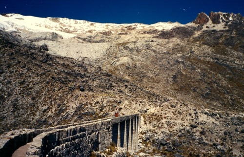 Cerca de La Paz Roger Daley copia