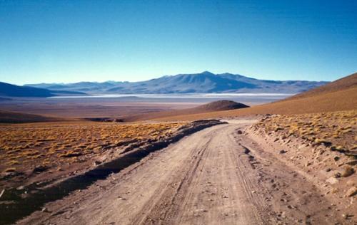 Camino de la Laguna Verde, en la Reserva Nacional de Fauna Andina Eduardo Avaroa, Altiplano Bolviano