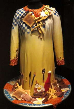 Breakfast Dress de Dame Edna Everage