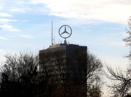 Daimler Benz, frente a Niké