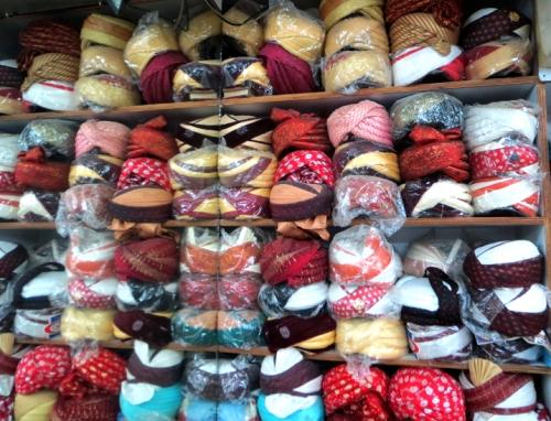 Tienda de turbantes en Anarkali