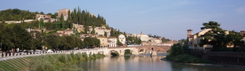 El río Adigio a su paso por Verona